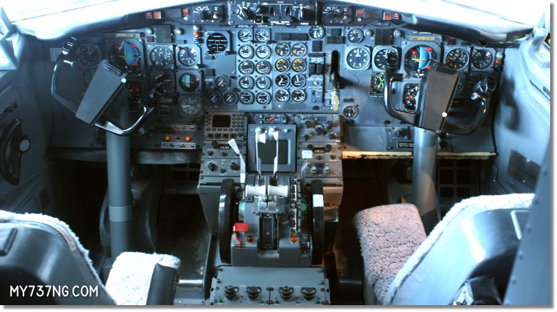 Cockpit of the early 737 from USAir at the Museum of Flight.